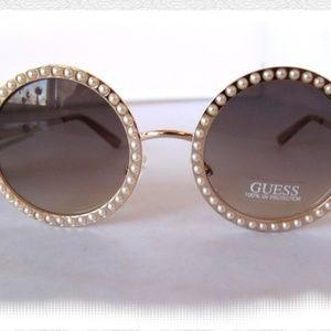 Guess Pearl Rose Gold Sunglasses